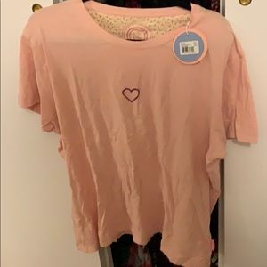 NWT LIGHT PINK LIFE IS GOOD CREAMY HEART TEE!